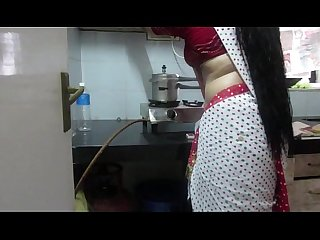 �?� Leena Bhabhi Hot Navel Housewife 1