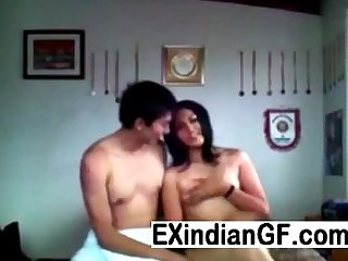 Desi teen lovers making private video